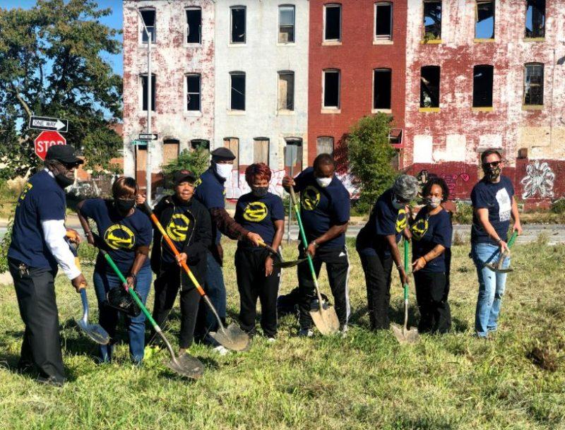 Parks & People, Rebuild Johnston Square Community Digging